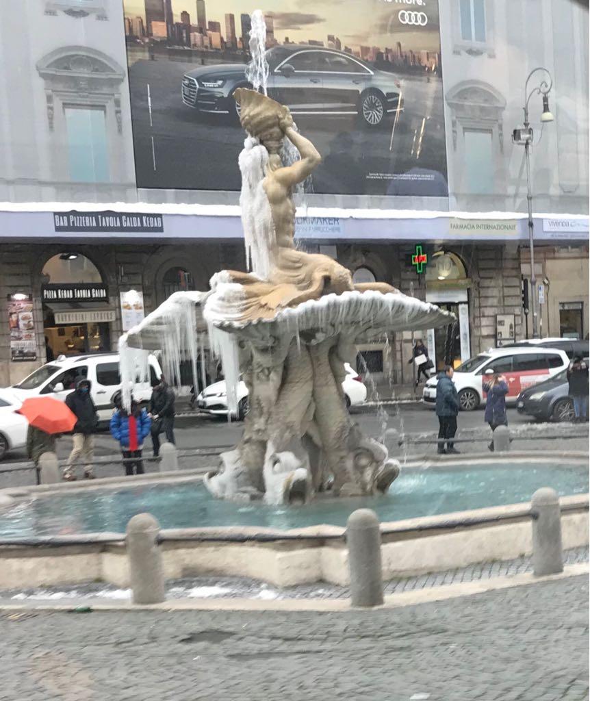 """ה""""סודות"""" של הפיאצות והמזרקות ברומא"""